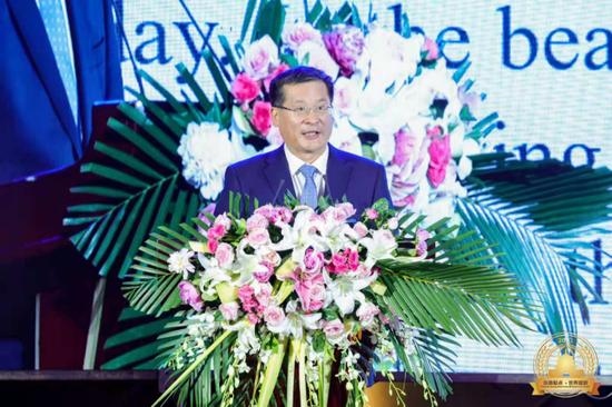 中共西安市临潼区委书记赵雷作项目推介