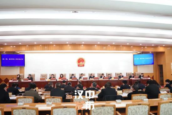 钟洪江任汉中市人民政府副市长、代理市长