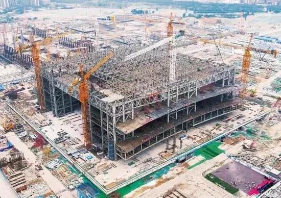 ▲2018年5月30日主体钢结构封顶