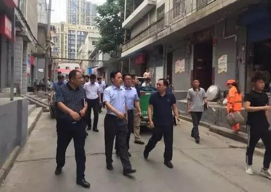 雁塔区区委书记赵小林再次深入瑞禾村社区督导检查