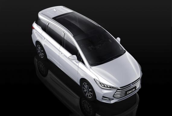 4月25日发布——中国首款家用插混mpv 宋max dm北京车展首发492