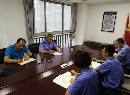 工商经开分局负责人督导凤南工商所 近期重点工作