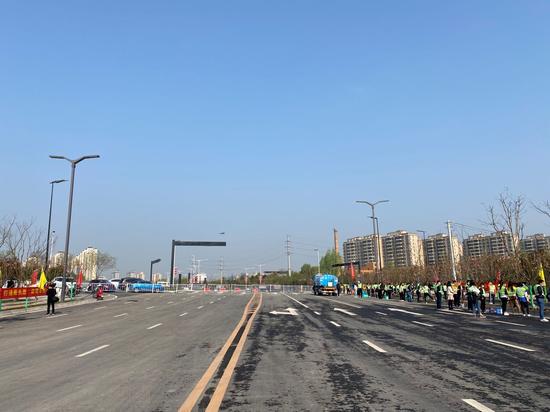 西安市长安区长安学府大道中段市政道路建成通车