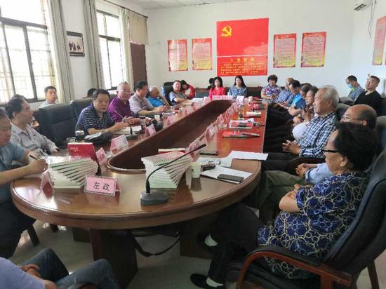 许海涛作品分享会在西咸新区空港新城文学馆召开