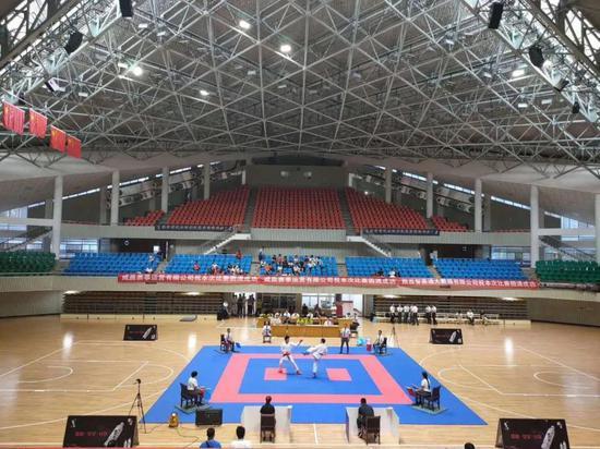 2020年陕西省青少年空手道锦标赛在汉中体育馆开赛