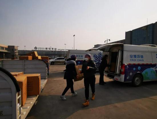 """西咸新区空港新城:奋战在""""疫""""线的转运保障组"""
