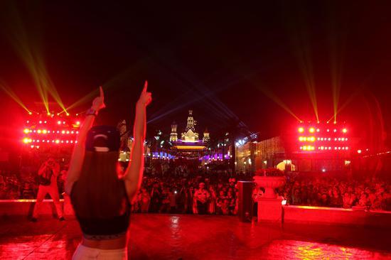推陈出新的演艺活动是西安乐华城吸引游客的一大法宝