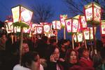 宝鸡凤翔三千余排灯点亮艺术节 吸引上万人观看