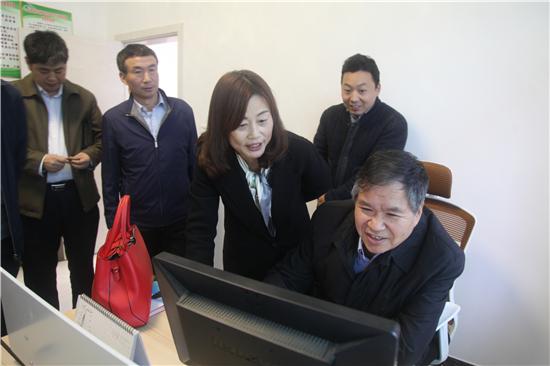 省商务厅赵润民厅长赴岚皋县调研脱贫攻坚工作
