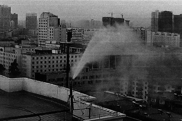 """经开区试点""""高空喷淋""""降雾霾 让小环境空气变清新"""