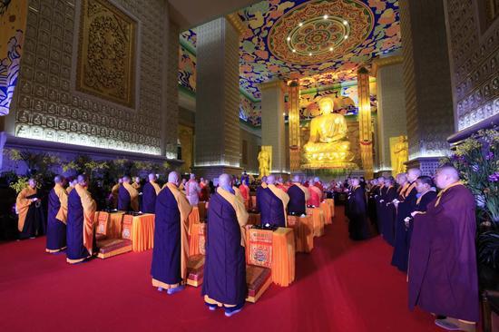 舍利重光  盛世祈福  法门寺千人祈福传灯法会圆满举办