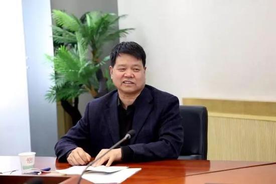 现任陕西国际商贸学院副院长兼党委副书记---徐唯诚