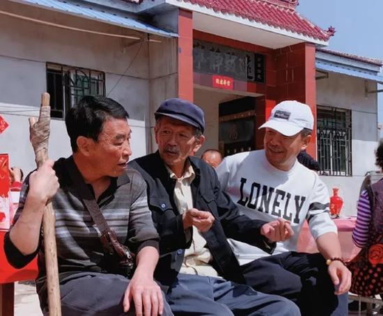 燃了咸阳! 刘斌本色出演公益励志扶贫电影《无翅飞翔》