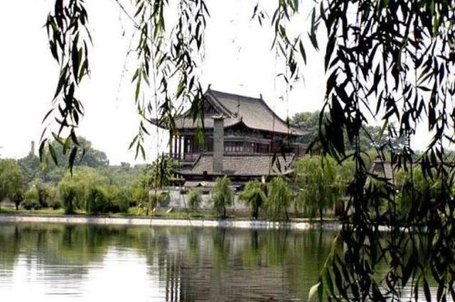 西安兴庆宫公园:春梅吐蕊紫荆含苞春意浓