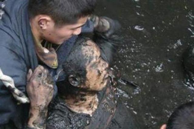 榆林小孩不慎栽入粪坑昏迷 民警及时抢救转危为安
