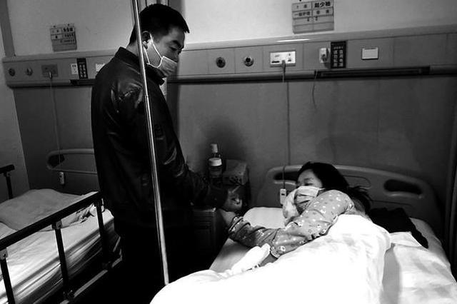 """""""90后""""母亲查出白血病 想为3岁儿子活下去"""