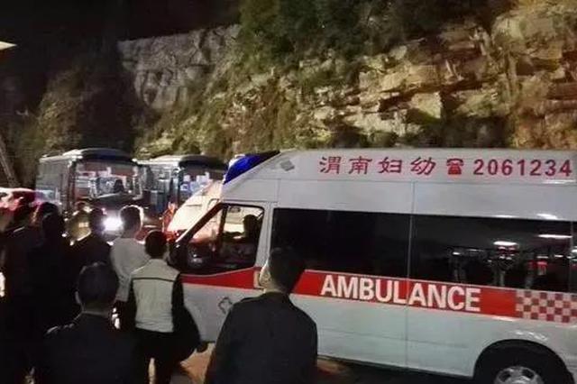 大风袭停华山西峰索道 凌晨5点160名游客安全下山