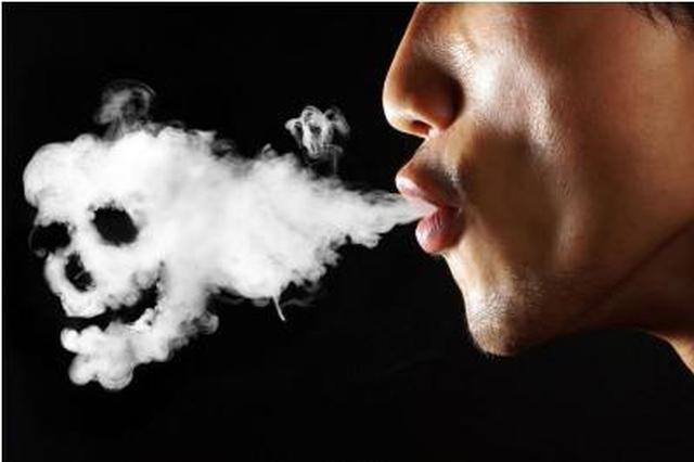 西安62岁老汉患上乳腺癌 一天一包烟抽了40年