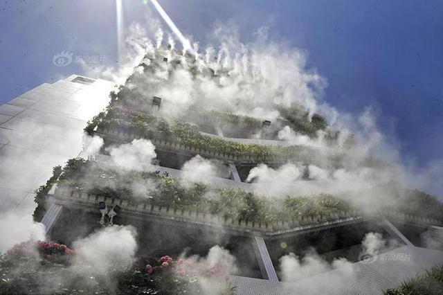 """西安10层高楼成网红 垂直绿化""""仙气飘飘"""""""