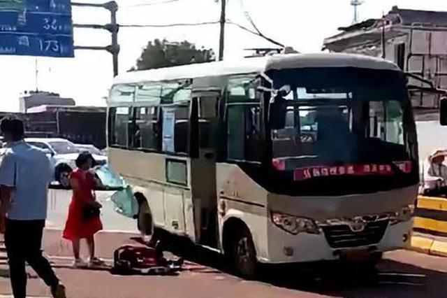 西安302路公交车发生恶性伤人事件8人被捅伤2人身亡