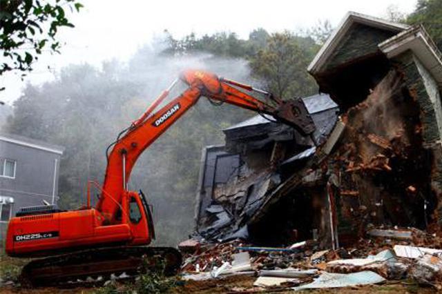 周至拆除秦岭北麓8处违建 将尽快恢复土地植被