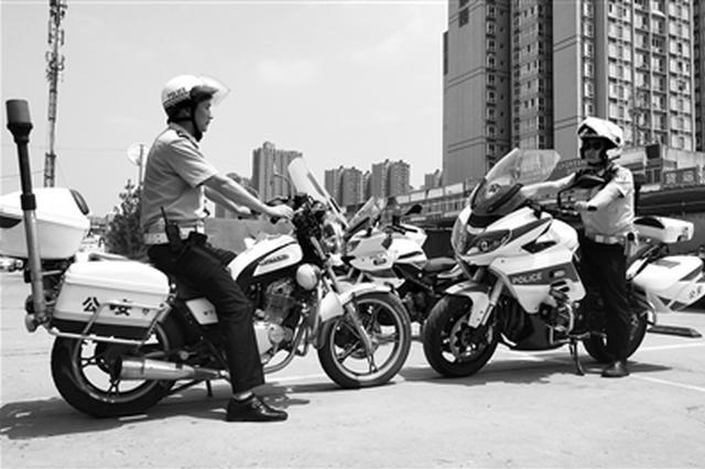 """警用摩托帮交警走出""""步兵时代"""" 网格巡逻有效保畅"""