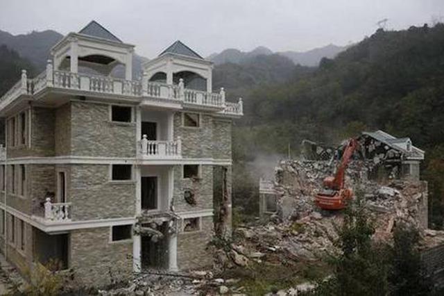 临潼拆除骊山北麓8处违建 拆除面积2185.3平方米