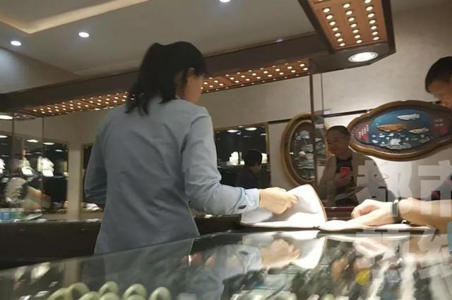 """黑导游重出江湖 距西安旅发委被""""问政""""刚10天"""