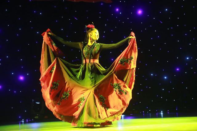 """西安高新一中初中部举办""""我们的中学时代""""舞蹈专场"""