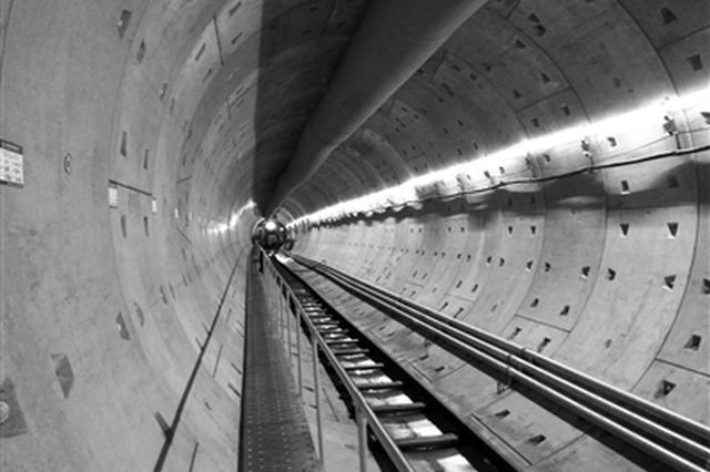 经过72小时日夜奋战 西安地铁9号线盾构施工穿越灞河