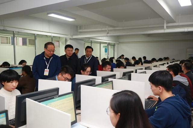 西安考區3357人參加國家統一法律職業資格主觀題考試