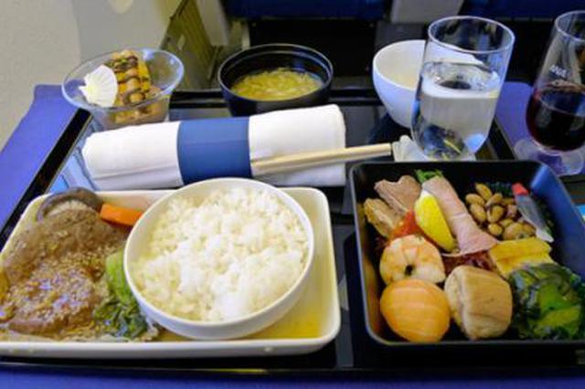 部分航班取消免費餐 市民詢問能否自帶飯