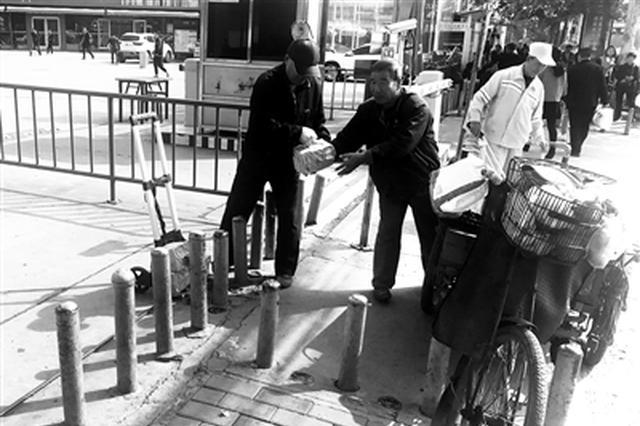 鐵柱石樁街頭攔路 回應:安防禁違停各有用途