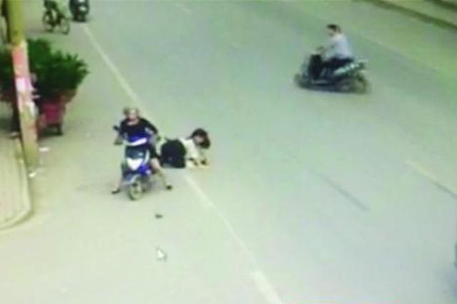 莲湖乘客摔下摩的不幸身亡 车主逃逸被批捕