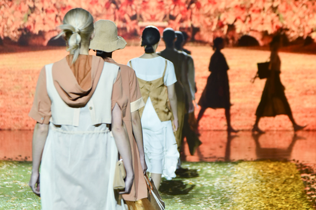丝绸之路国际时装周精彩继续 三场大秀带你IN时尚