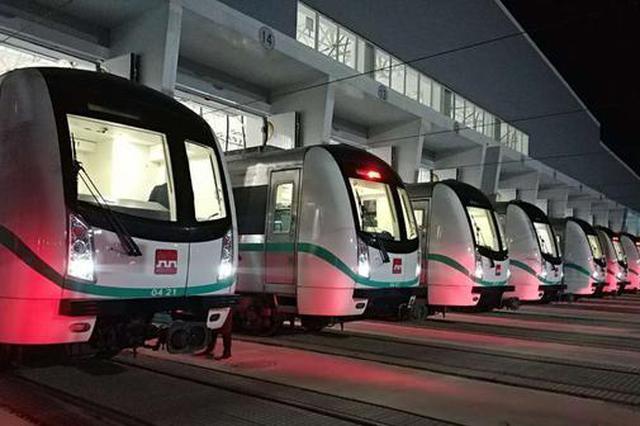 西安地铁四号线开通倒计时:列车整装待发