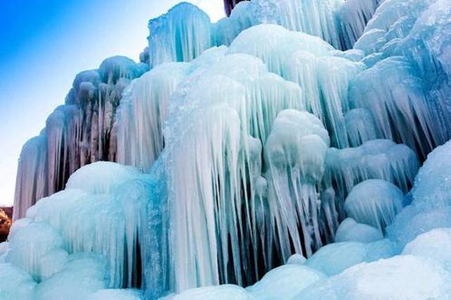 观冰瀑遇冰柱坠落致9人受伤 事发区域已暂时封闭