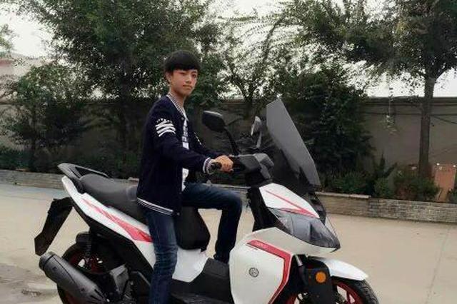 7学生骑改装摩托车兜风被投诉扰民 车辆被暂扣