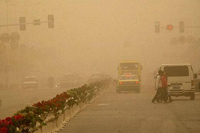 今天陕西关中地区沙尘过境 空气有轻到中度污染
