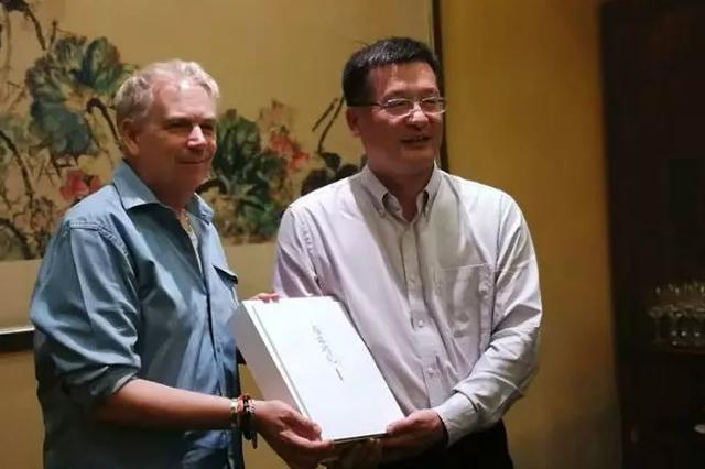 区长赵雷会见亚太旅游协会首席执行官马里奥?哈迪