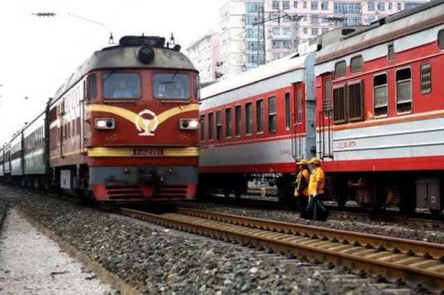 """""""五一""""假期 宝鸡开往这些地方的列车将加挂车厢"""