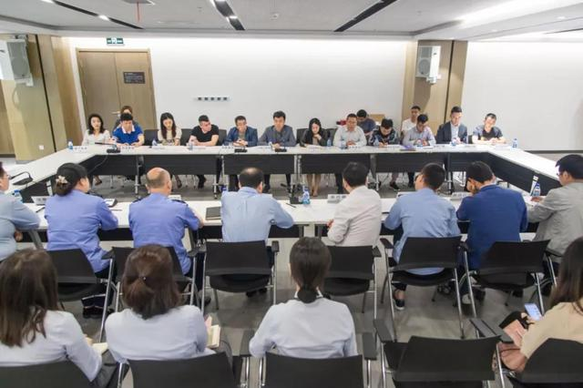 曲江新区政务中心新址启用一周年,19位营商环境监督员上任