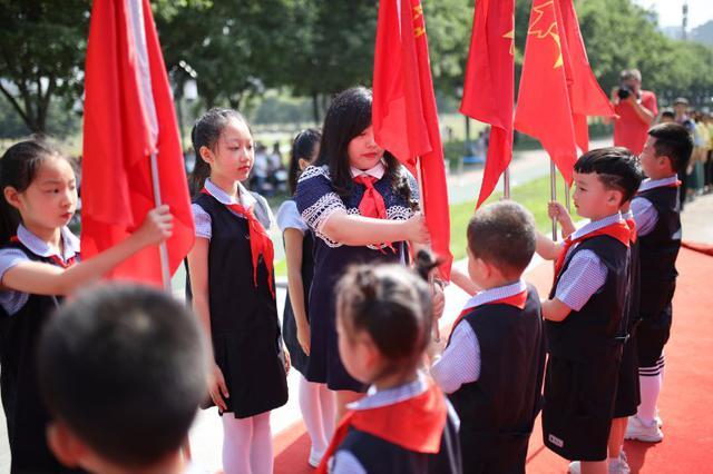 献礼七十年·相约中国梦——做新时代好队员