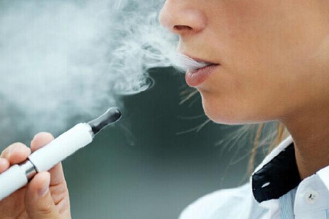 """""""入坑""""电子烟原因多样 专家:用电子烟戒烟不科学"""