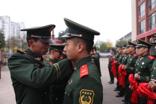 64名退役士兵西安应聘获加分 最高可加15分