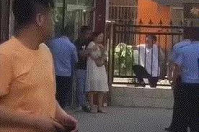 榆林男子暴力抢劫后逃逸 挟持人质与警方对峙