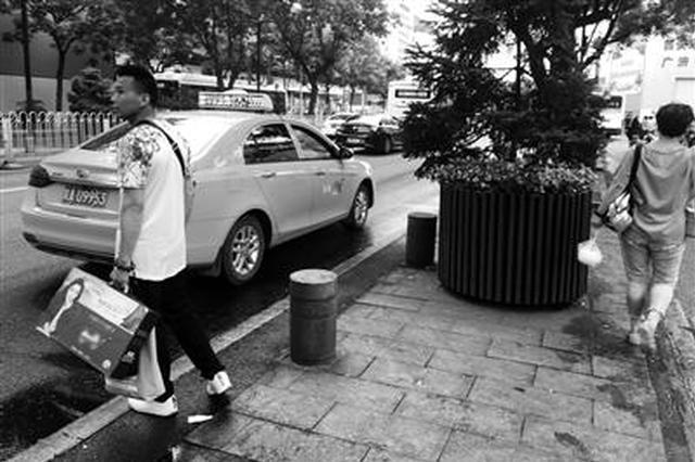 西安西大街全段1.9公里只有三个出租车停靠点