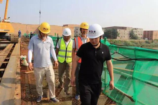 西咸新区能源金贸区建设工地上,他们最闪亮