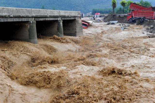 全省持续降雨 渭河汉江相继出现今年第1号洪峰