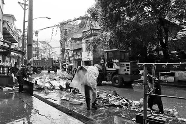 旬阳蜀河镇开展灾后自救 8个小时转移552户2109人